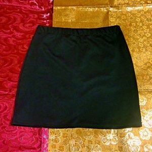 Like New Green Mini Skirt